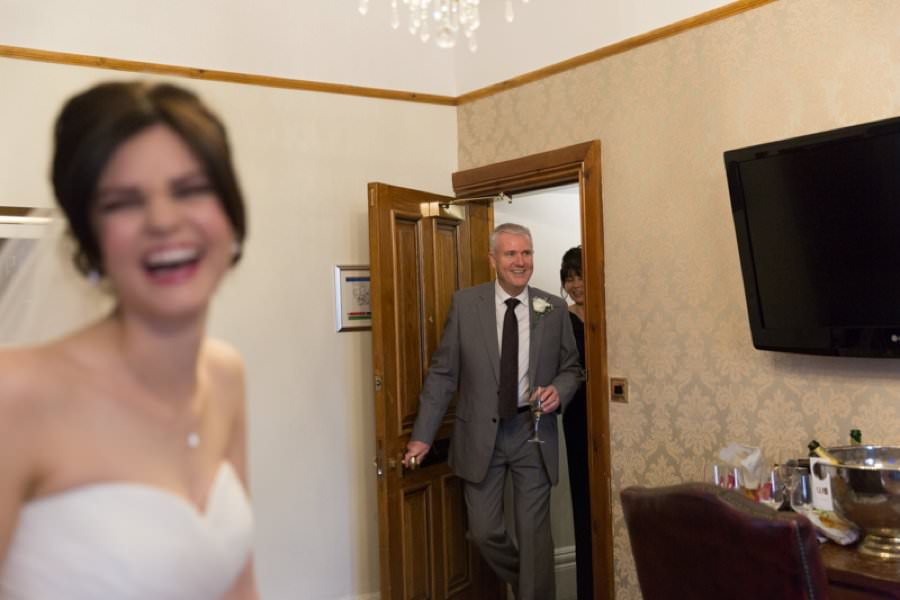 dads reaction to bride