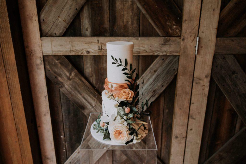 rustic wedding cake byMarie Antoinette Cakes