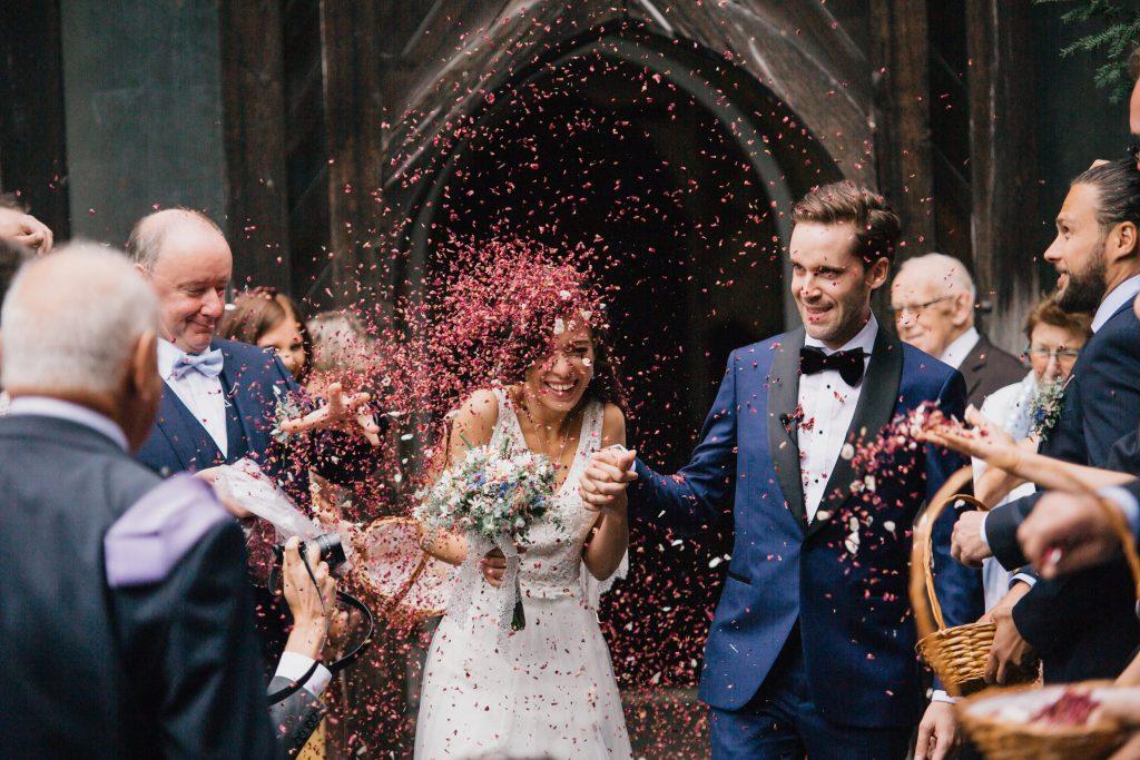 wedding couple confetti
