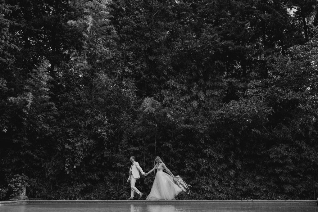 black white photography relaxed wedding photographer