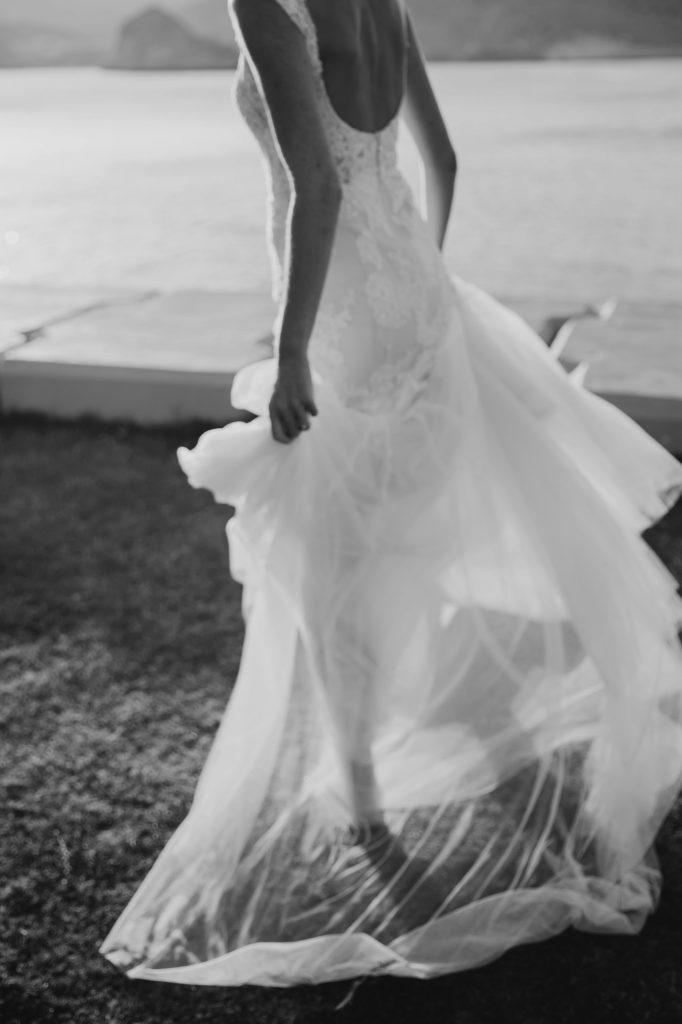 relaxed wedding photographer